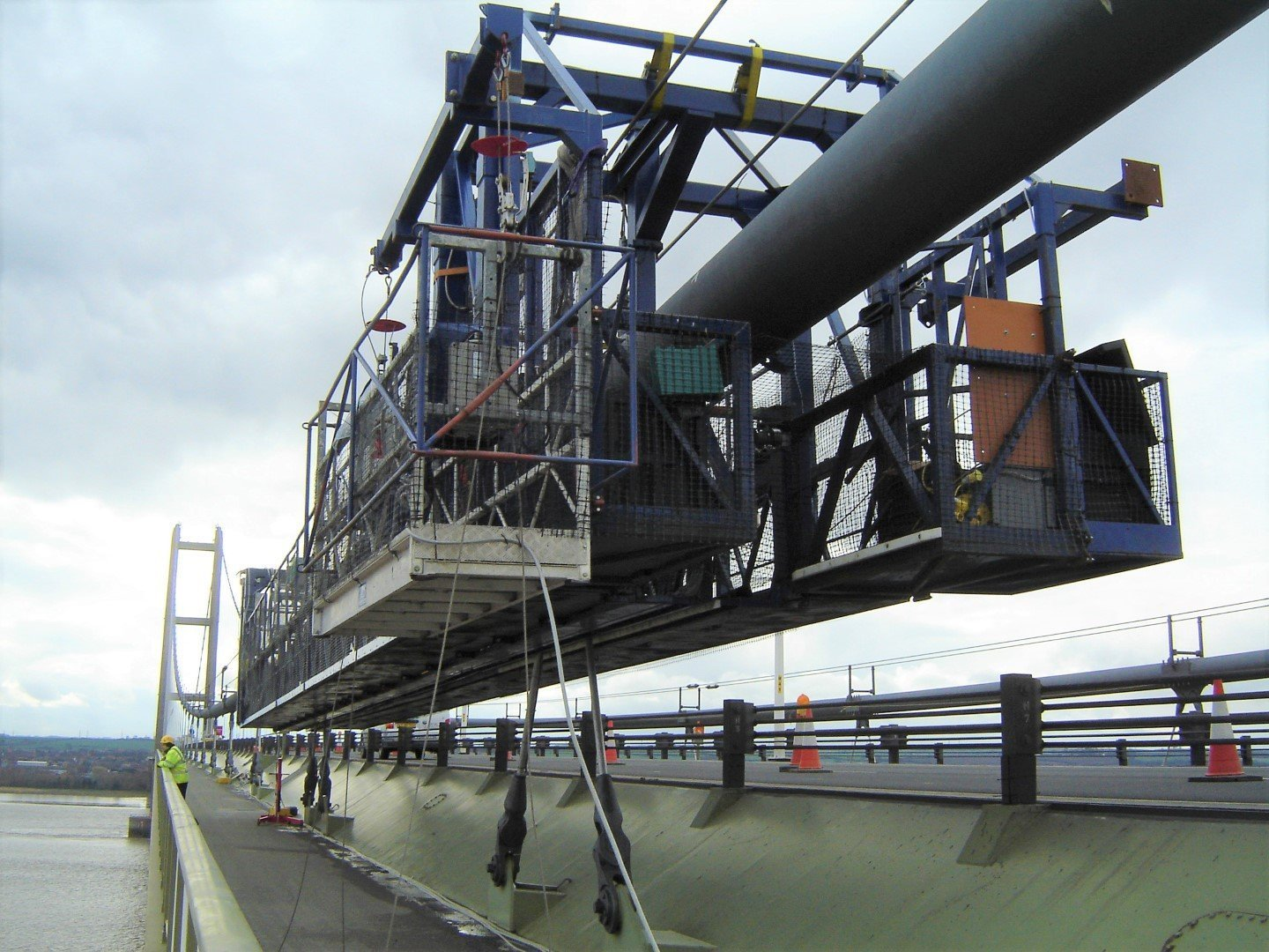 Humber cable crawler access gantry