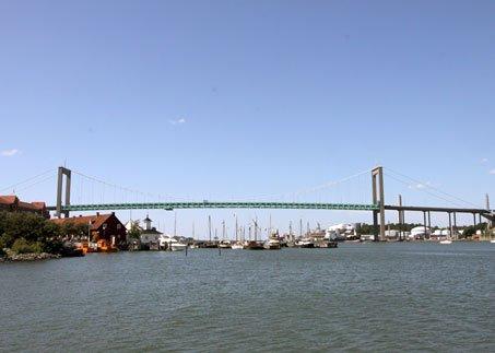 Älvsborg Bridge, Sweden. Image courtesy of Fluff (Wikipedia)
