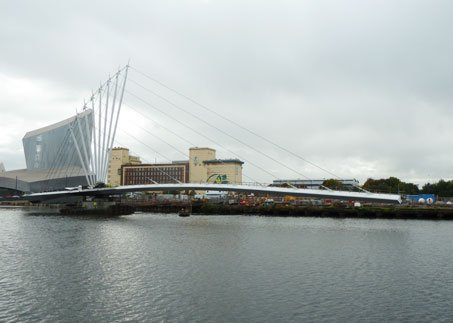 The Media City bridge is nearing completion with the bridge now installed on top of the main pivot.