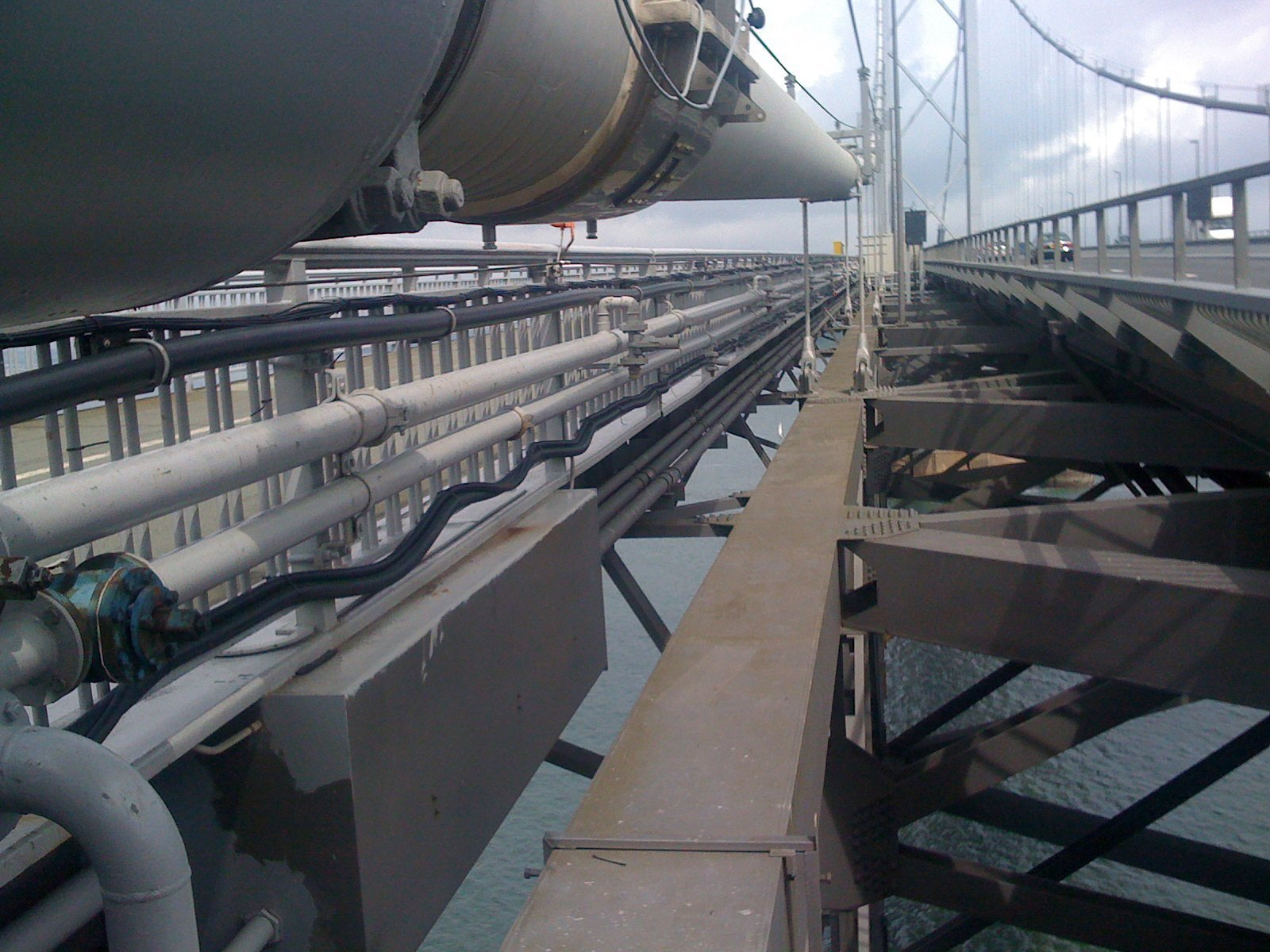 Forth Road bridge aluminium hop down platform