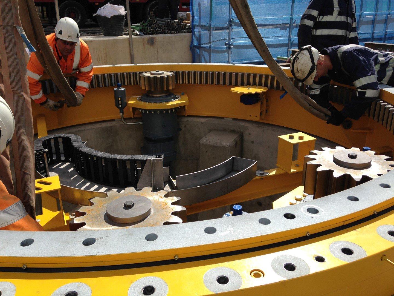 Slewing bearing swing bridge drive installation