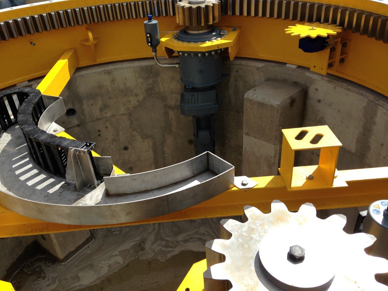 Slewing bearing swing bridge drive system