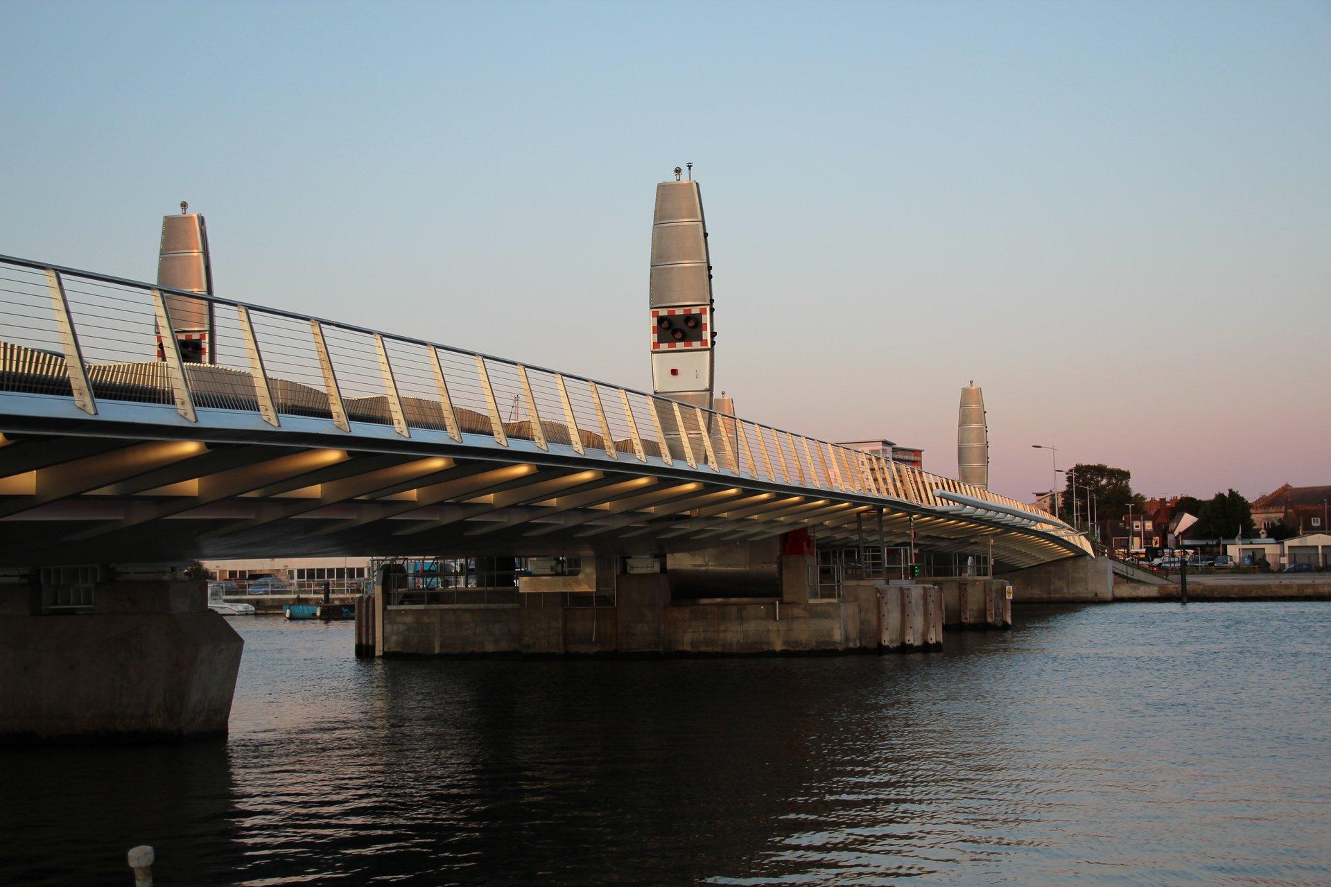 Poole Twin Sails lift bridge