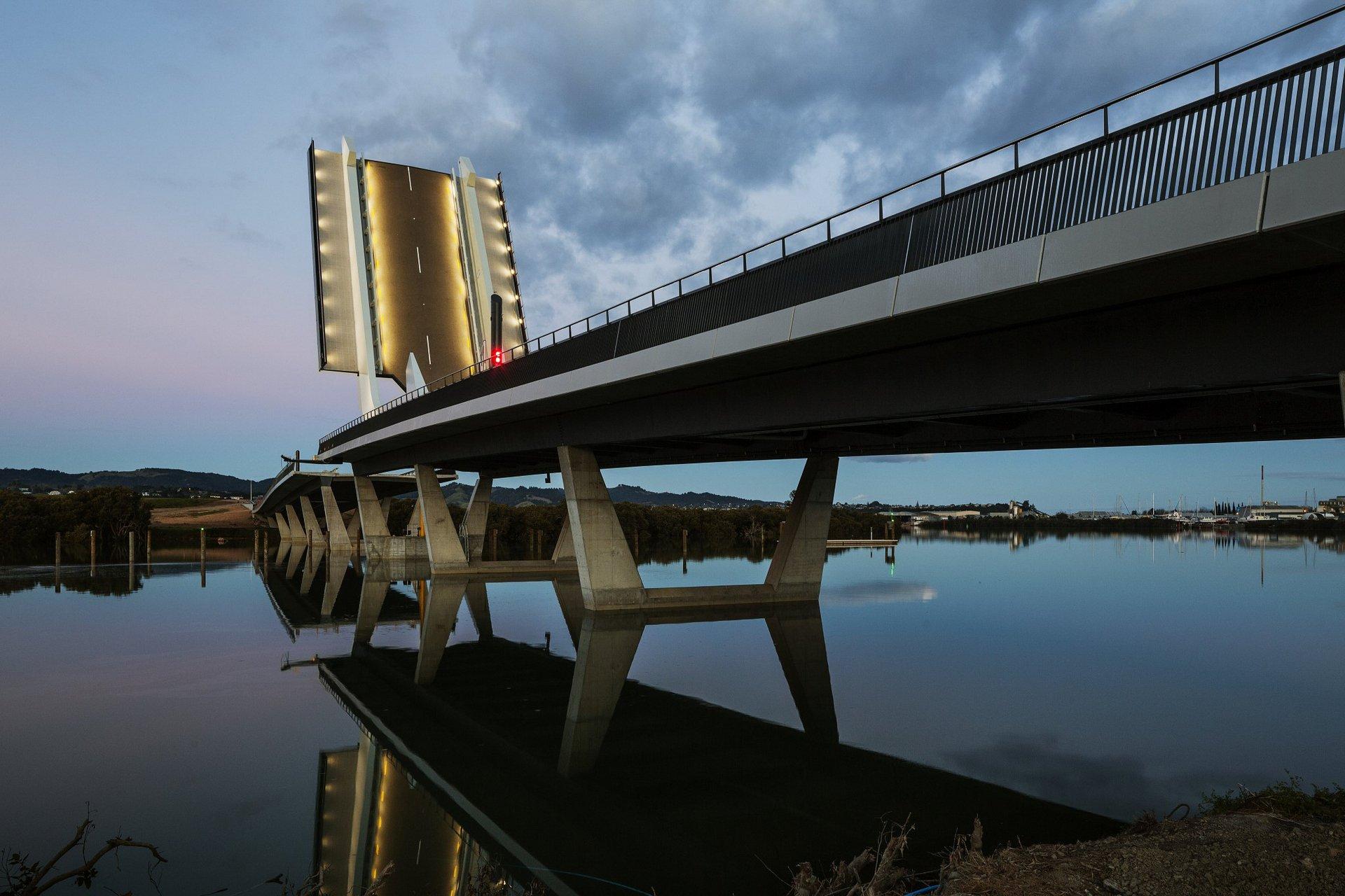 Te Matau a Pohe Bridge raised