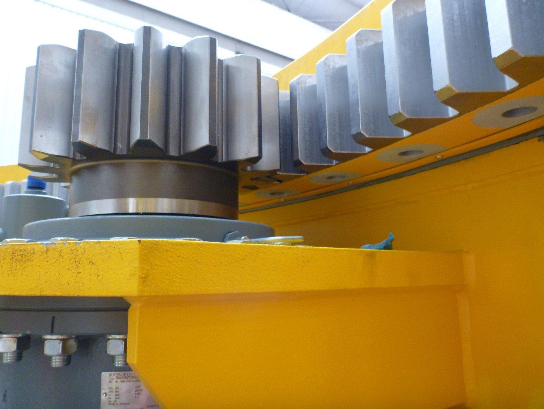 Slewing bearing drive pinion