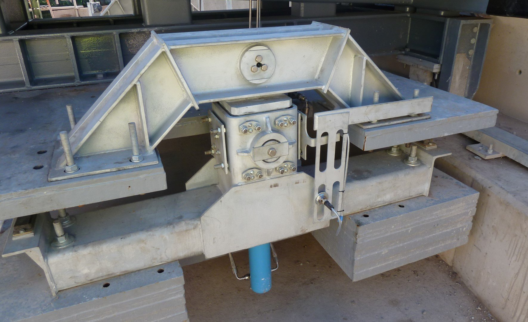 Riversdale Swing bridge counterweight mechanism