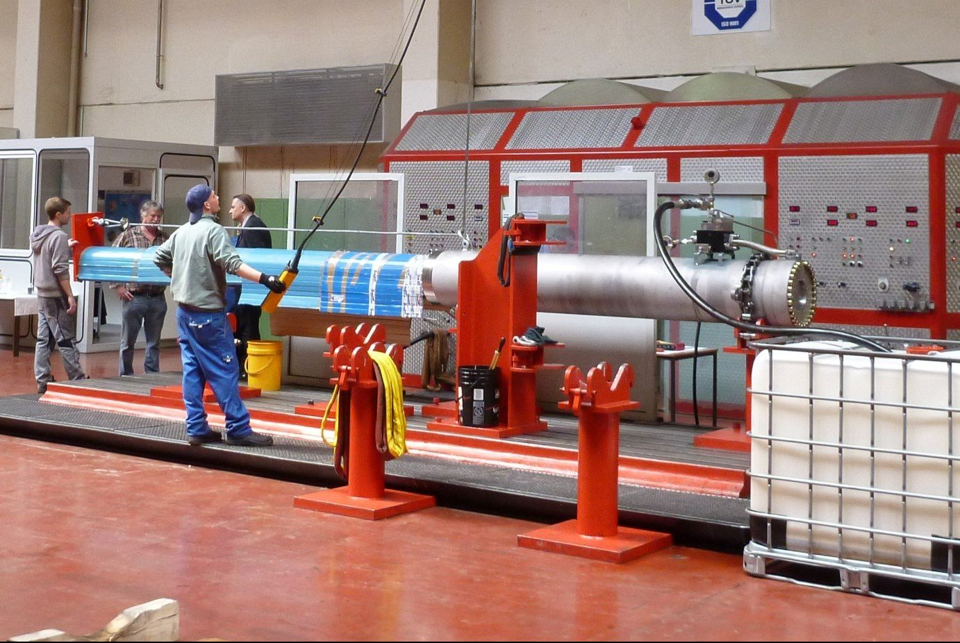 Hydraulic cylinder factory works test