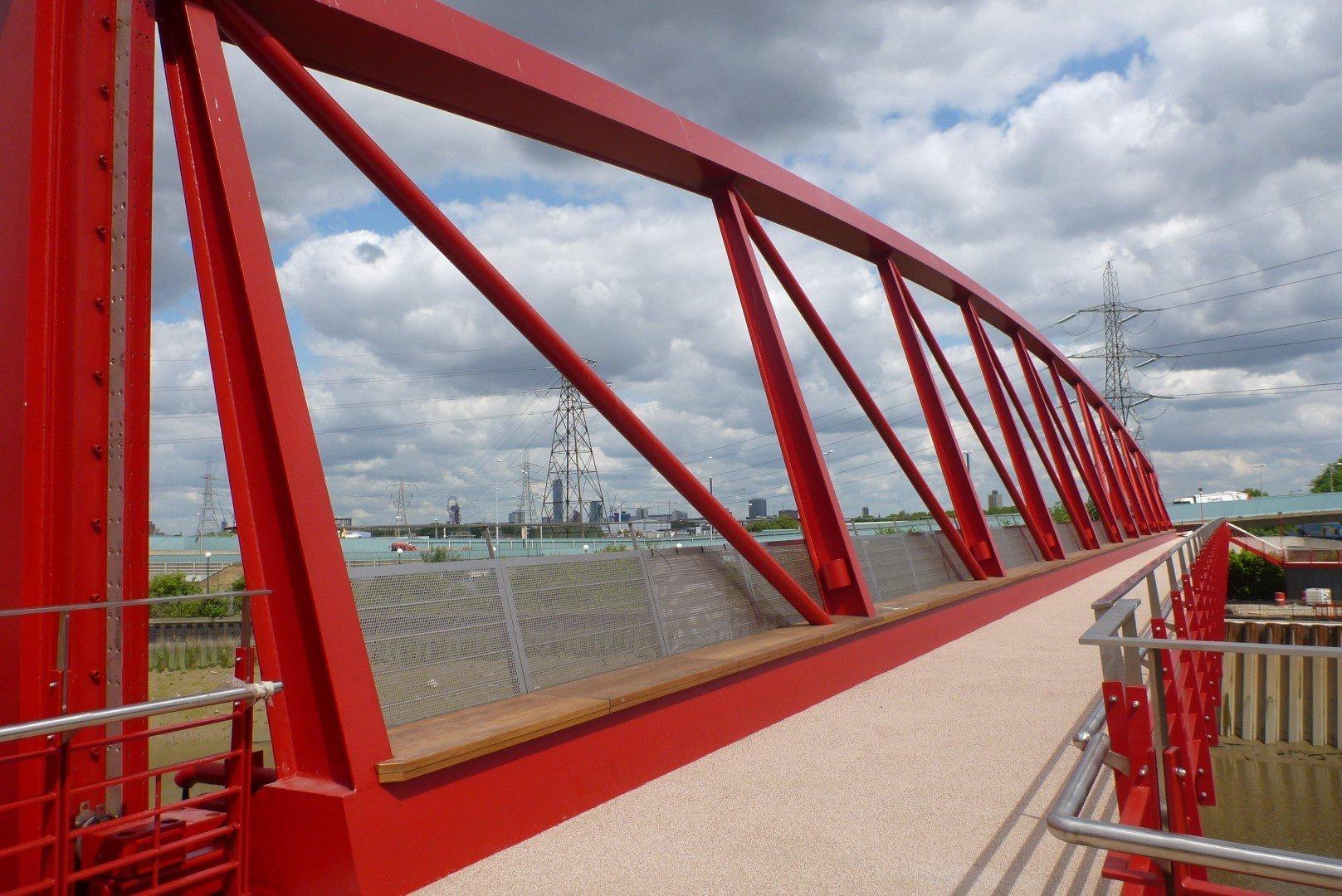 Leamouth pedestrian vertical lift bridge