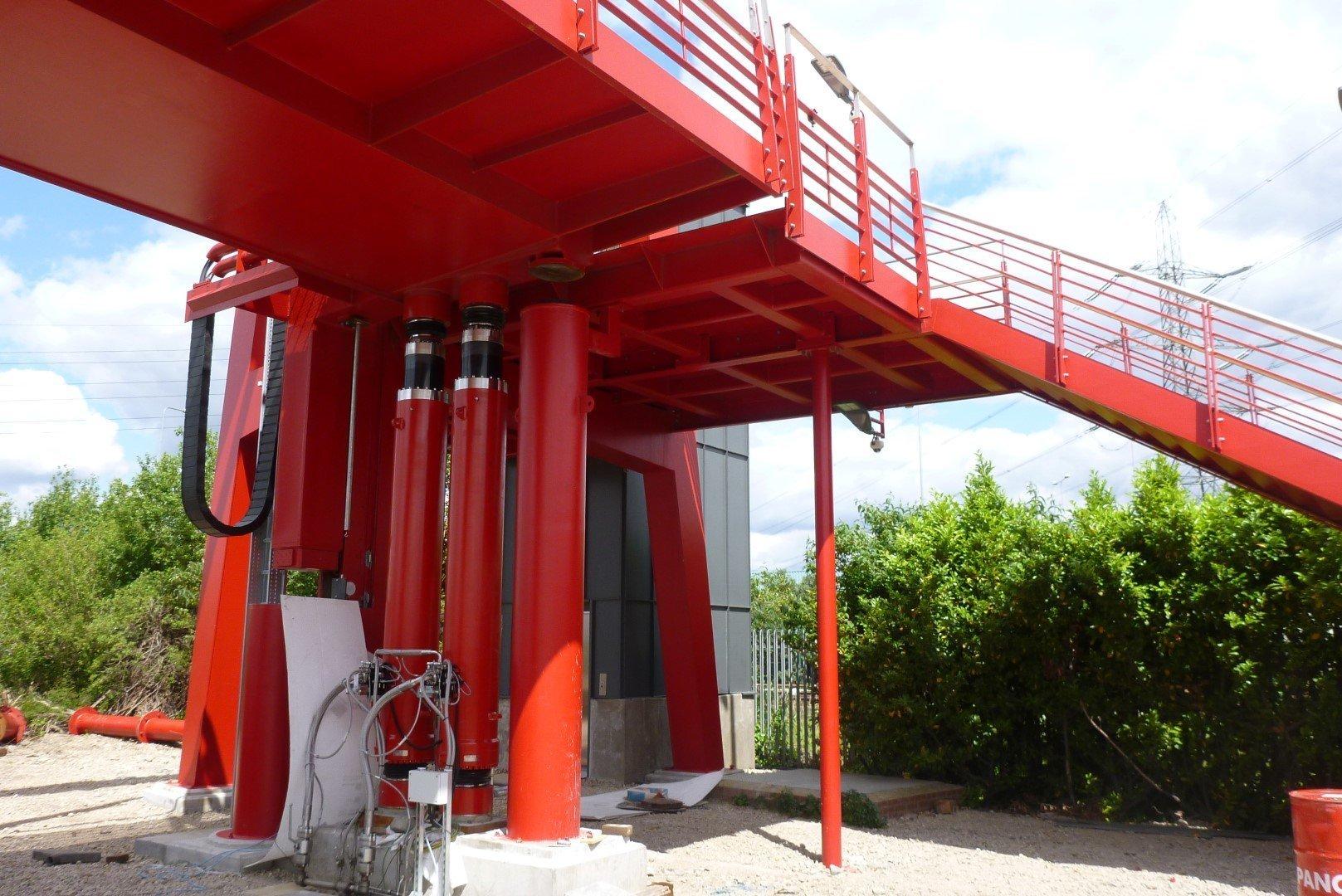 Leamouth pedestrian vertical lift bridge mechanism
