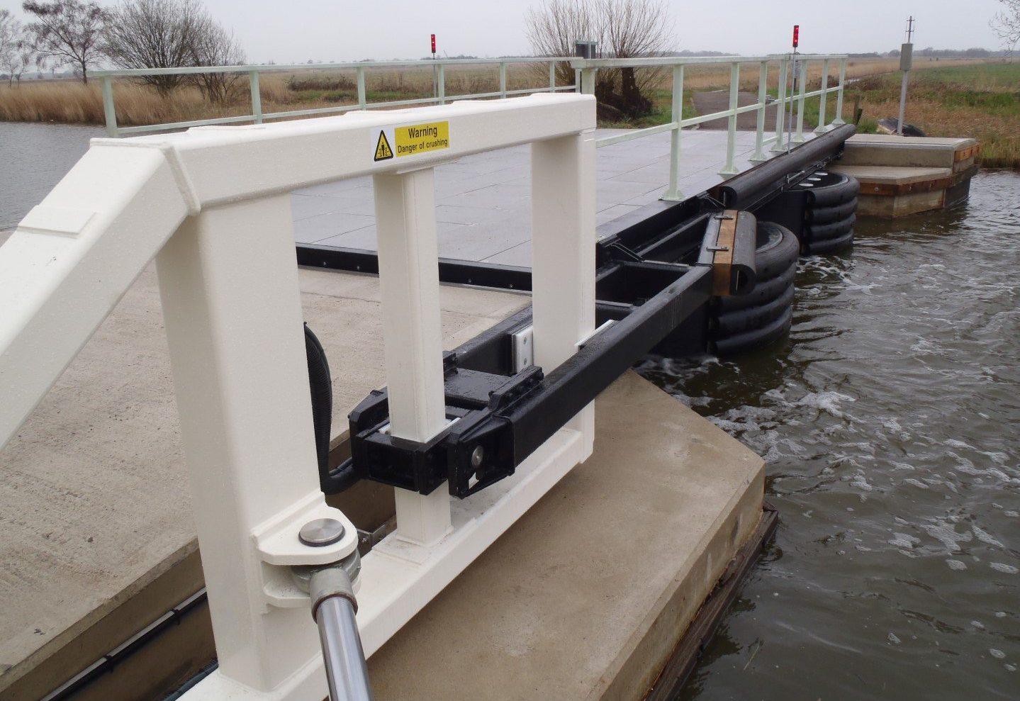 Heigham Holmes floating pontoon bridge