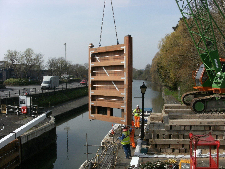 Netham timber lock gate installation